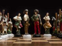 (Slovenčina) V garáži vyrábajú ručne maľované cínové šachy, ktoré uspeli v Európe