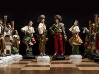 DennikN.sk : The garage made hand-painted pewter chess who have succeeded in Europe